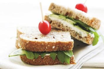 sandwich-52633_640