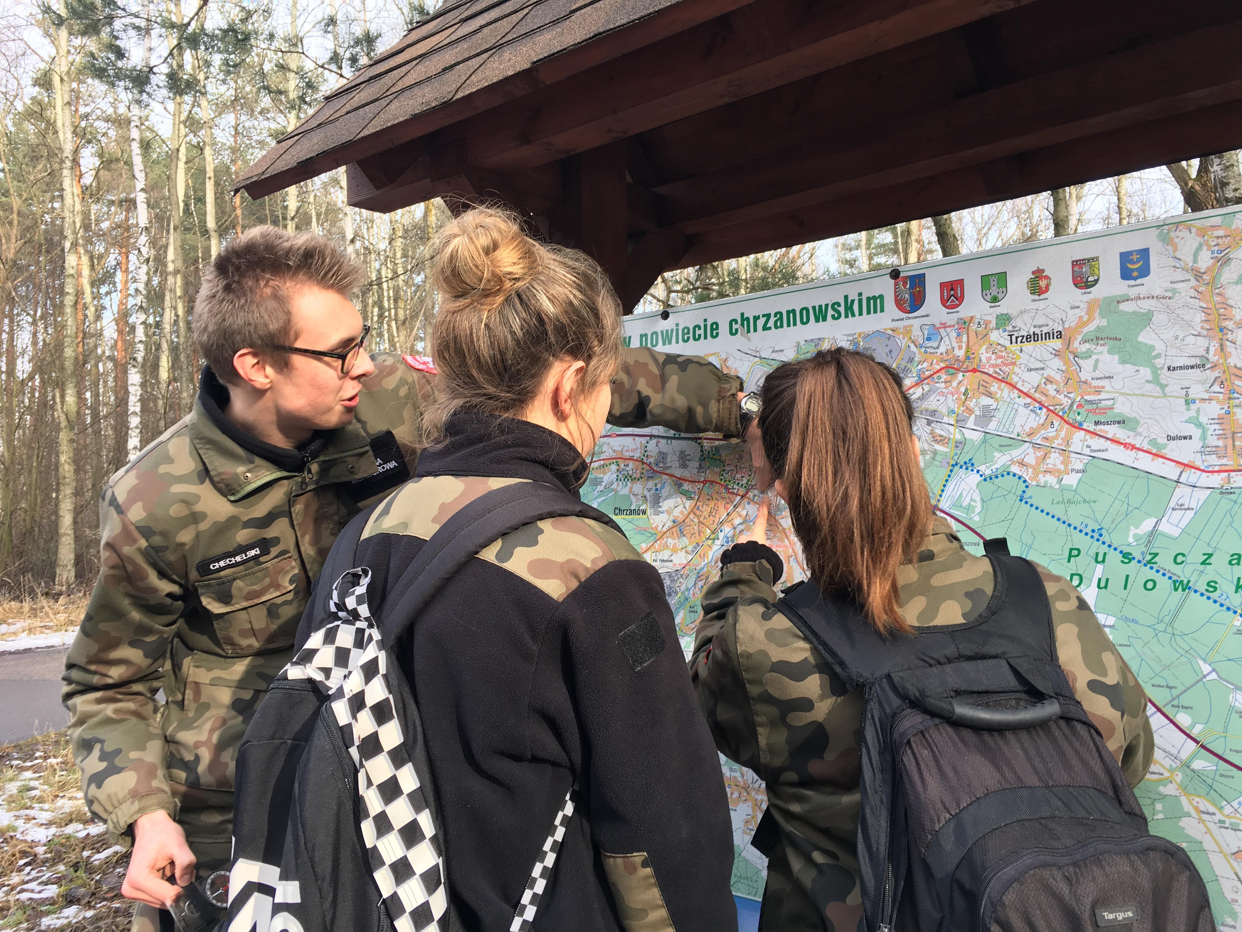 Szkolenie z topografii dla uczniów klas mundurowych II LO w Chrzanowie