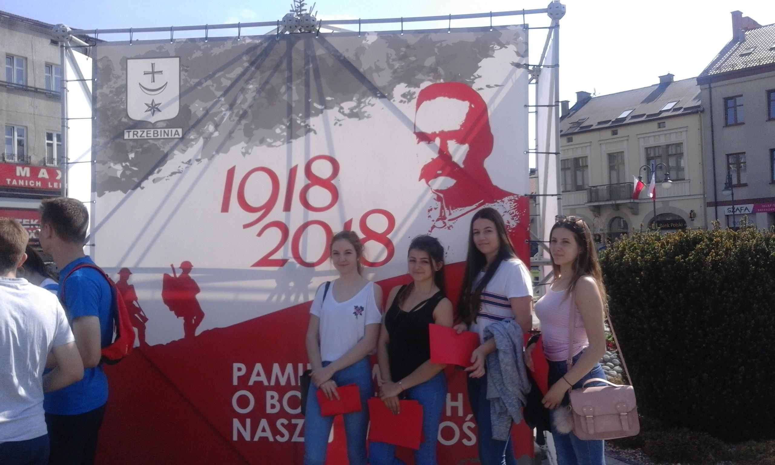 """"""" Marsz Po Flagę"""" z II LO w Chrzanowie"""