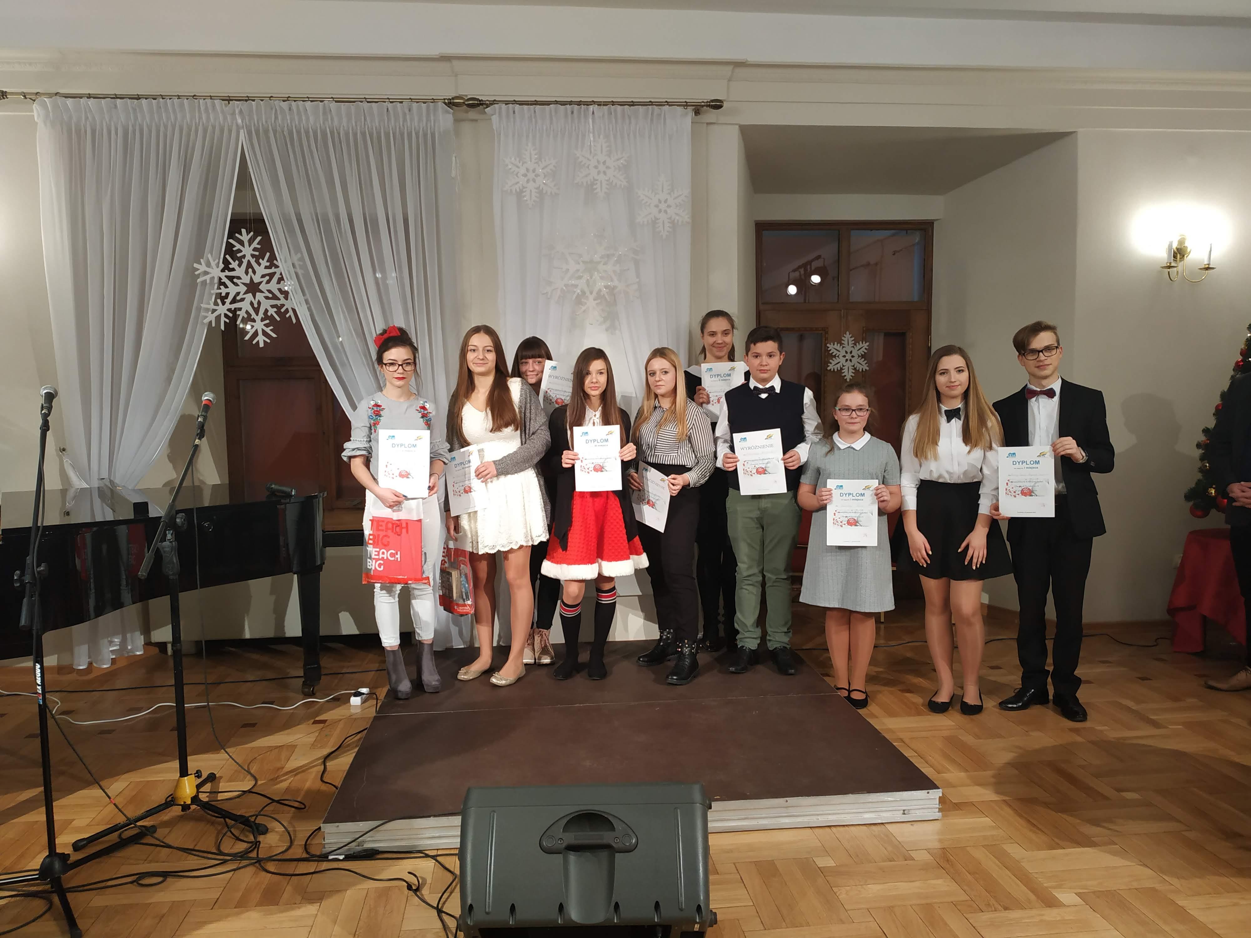 XI Powiatowego Konkursu Kolęd i Piosenek Świątecznych  w Języku Angielskim