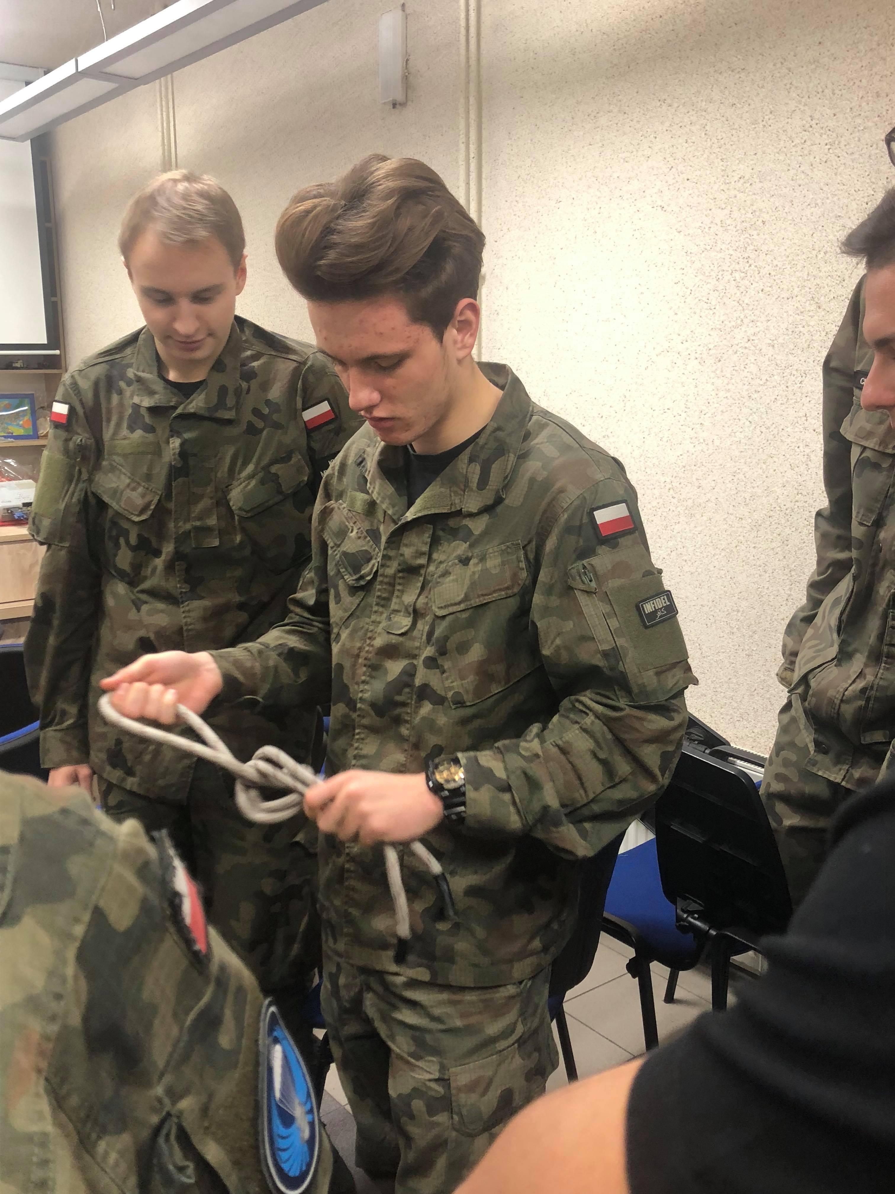 Klasa mundurowa-szkolenie kadetów.