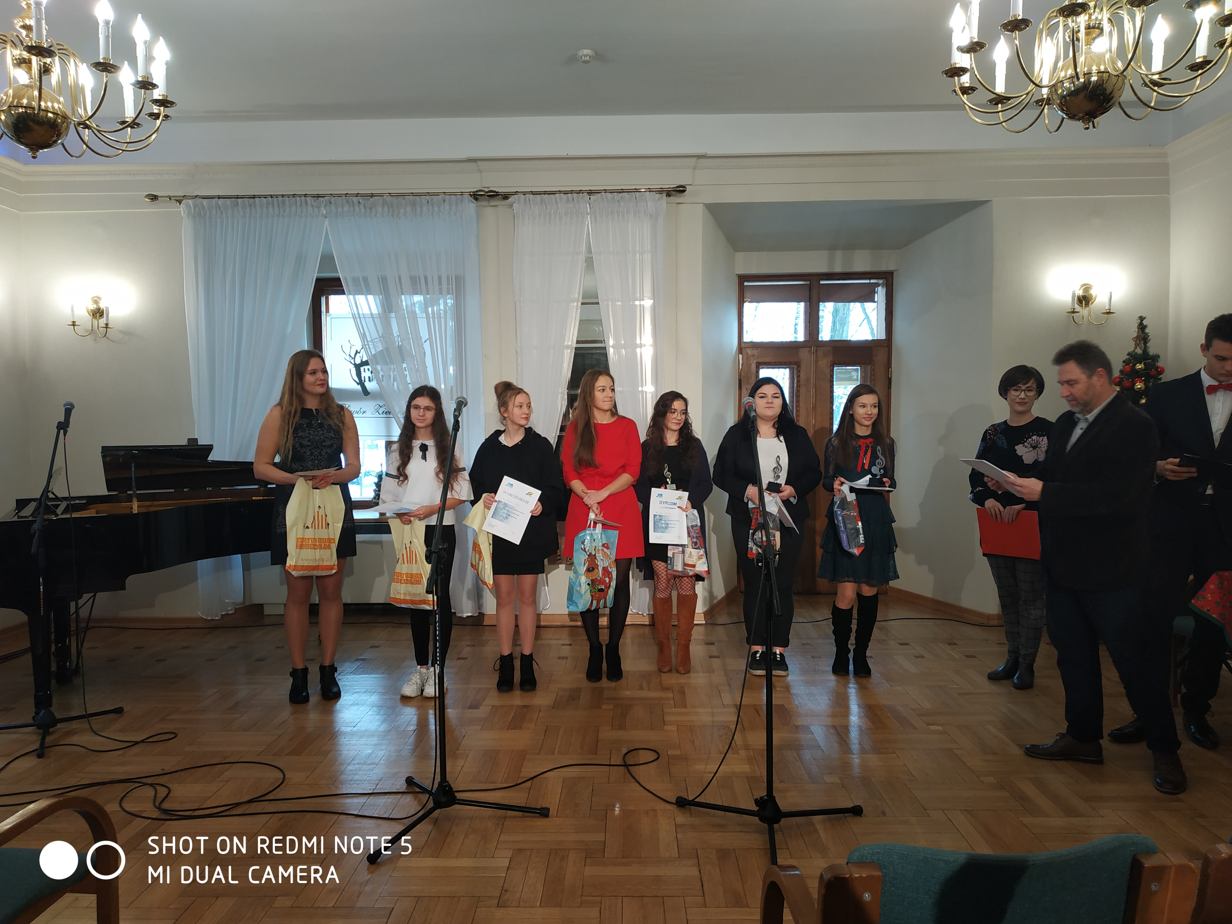 XII Powiatowy Konkurs Kolęd i Piosenek Świątecznych w Języku Angielskim
