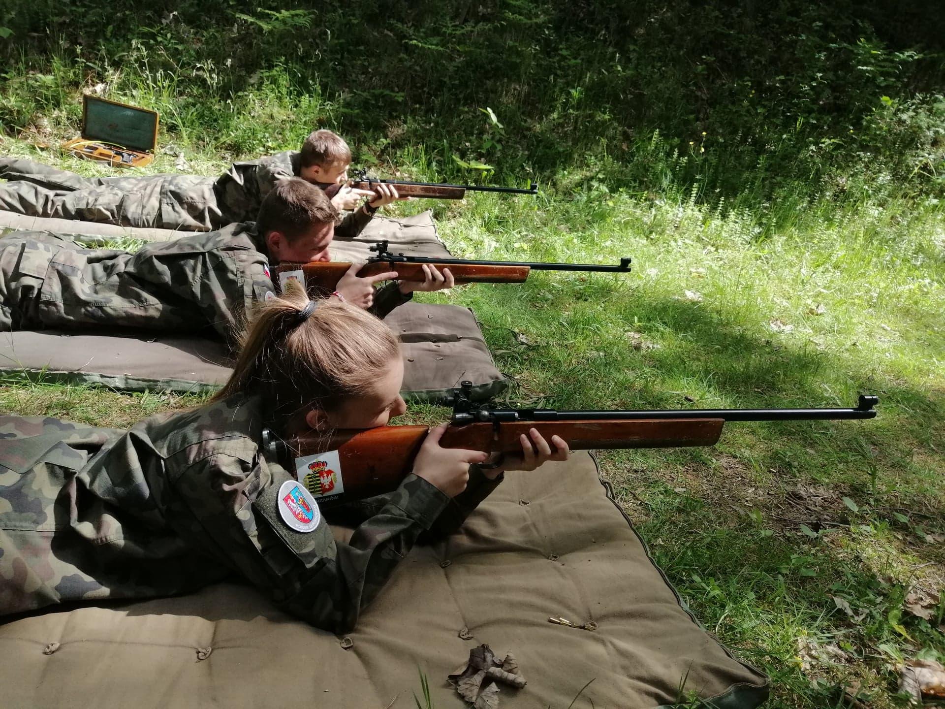 Kadeci klasy 2o doskonalili swoje umiejętności na Strzelnicy w Bolęcinie.